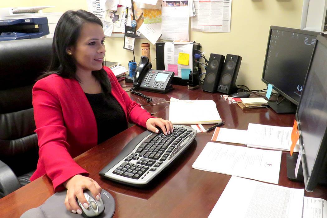 La actual directora de operaciones del hotel Caesars Palace, Martha Morales, fue seleccionada por 'Epicurean Charitable Foundation' en el 2005 para recibir la beca que le permitió convertirse ...