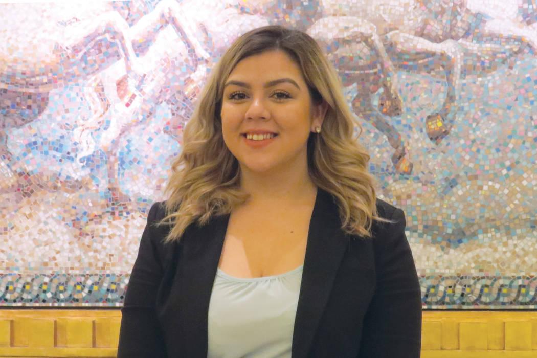 """""""Soy estudiante DACA, al crecer nunca estuve segura si iba a poder ir al colegio por mi estatus migratorio"""", María Miranda, estudiante de UNLV y beneficiaria de la beca de 'Epicurean Charit ..."""