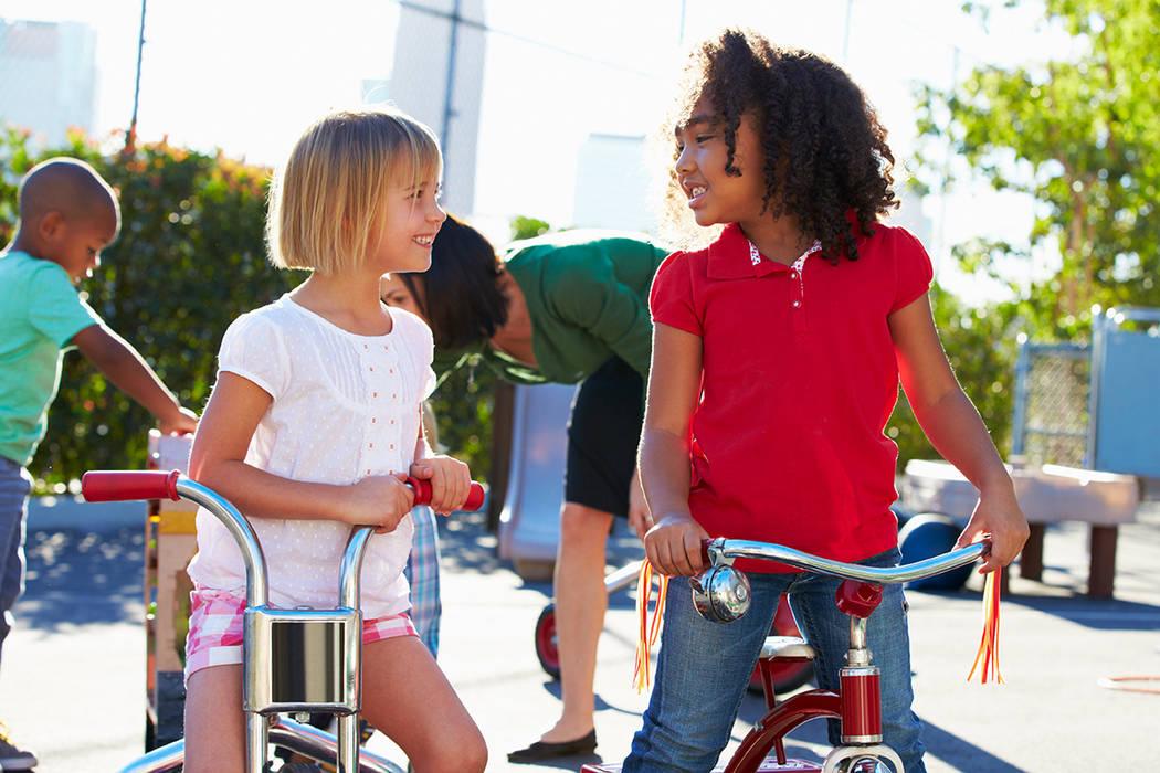 Estos tipos de eventos especiales también pueden resaltar las barreras y oportunidades que implica el proceso de caminar y andar en bicicleta a la escuela.