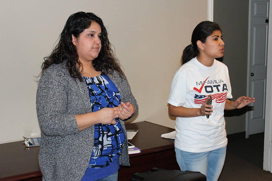 Tenemos talleres del proceso que un residente tiene que realizar para convertirse en ciudadano. Les hablamos de sus derechos entre ellos el derecho al voto, mismo que podrían ejercer en las elecc ...