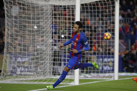 El jugador delantero del equipo Barcelona, Neymar, brilló en el triunfo de su equipo ante el PSG por marcador de 6-1, el 8 de marzo del 2017 en España. (Archivo/AP Photo/Francisco Seco).