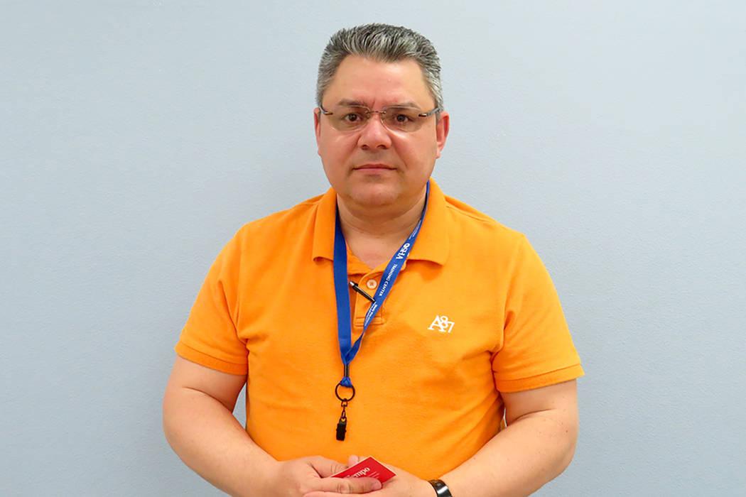 """""""Los hispanos somos mayoría en la construcción, entonces es importante que todos estos métodos se sigan y se le comuniquen a la gente"""", Rey Rodríguez, director de seguridad de Sierra Air C ..."""
