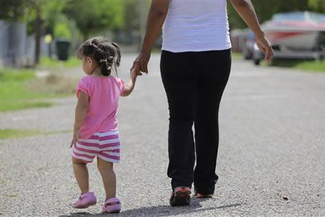 Se reporta que en marzo del 2017 los trámites de doble ciudadanía para hijos de mexicanos se han incrementado en consulados de México, debido a las acciones de la nueva administración federal. ...