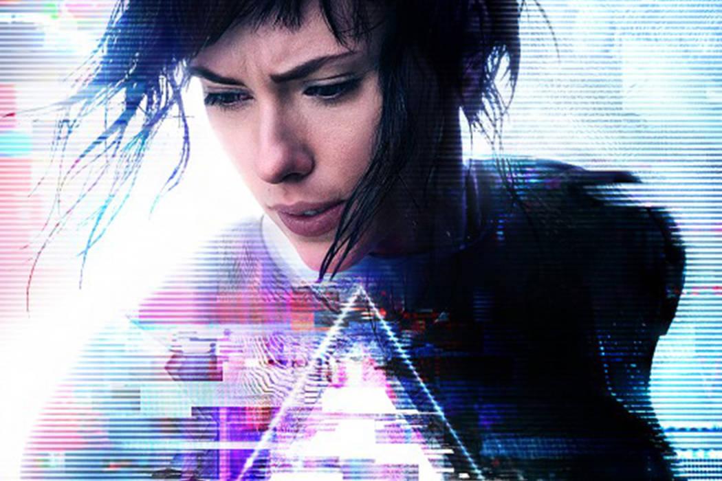 Entrenada para detener a los criminales y extremistas más peligrosos, The Major se enfrentará a un fanático 'hacker', cuyo único objetivo es acabar con los avances de Hanka Robotic en la t ...