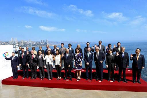 El 15 de marzo del 2017, el ministro de Relaciones Exteriores de Chile, Heraldo Munoz, al centro, posa junto con los ministros y representantes de los países que forman el Acuerdo Transpacífico  ...