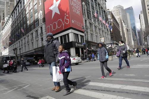 Según informó el Departamento de Comercio, las ventas en febrero del 2017 subieron ligeramente. (Archivo/AP Photo/Mark Lennihan).