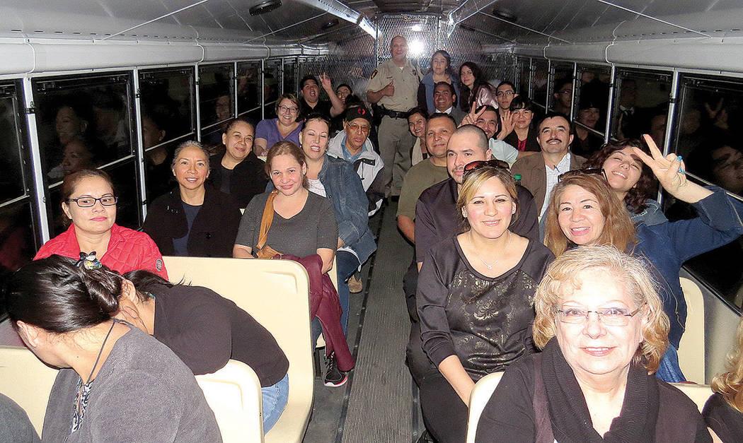 Los estudiantes de la Academia Civil Hispana realizaron un recorrido por el Centro de Detención del Condado de Clark, miércoles 8 de marzo en CCDC.   Foto El Tiempo/Anthony Avellaneda