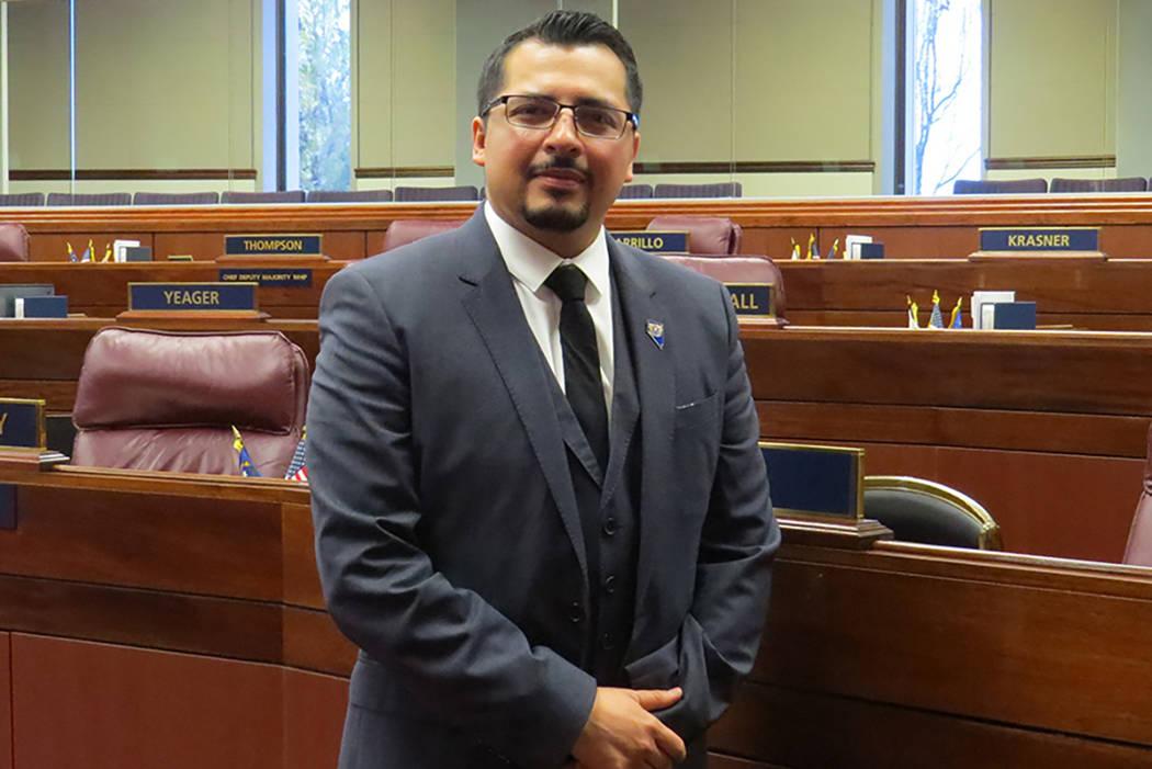 """""""Mi reglamento es sencillo, si no eres dueño de la propiedad, no puedes sacar un préstamo"""": Edgar Flores, asambleísta Distrito 28. Sexta semana de la Legislatura de Nevada en Carson City.   ..."""