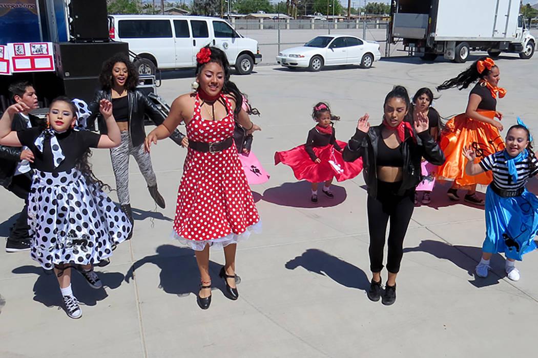El festival contó con la participación de distintos números musicales de canto y baile, respectivamente, sábado 25 de marzo en el parque Gary Reese Freedom. | Foto El Tiempo/Anthony Avellaneda
