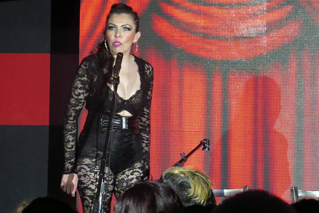 Después de algunos años de ausencia, Taddy Peña regresó a esta presentación interpretando 'La mujer que amaba hacer felices a otras vaginas'. Sábado 25 de marzo en el club nocturno Flair ...