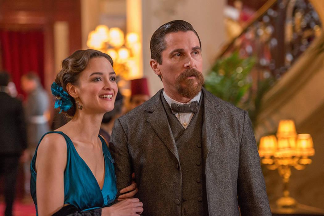 Está protagonizada por Christian Bale (La gran apuesta), Oscar Isaac (Star Wars: El despertar de la fuerza) y Charlotte Le Bon (El desafío). | Cortesía