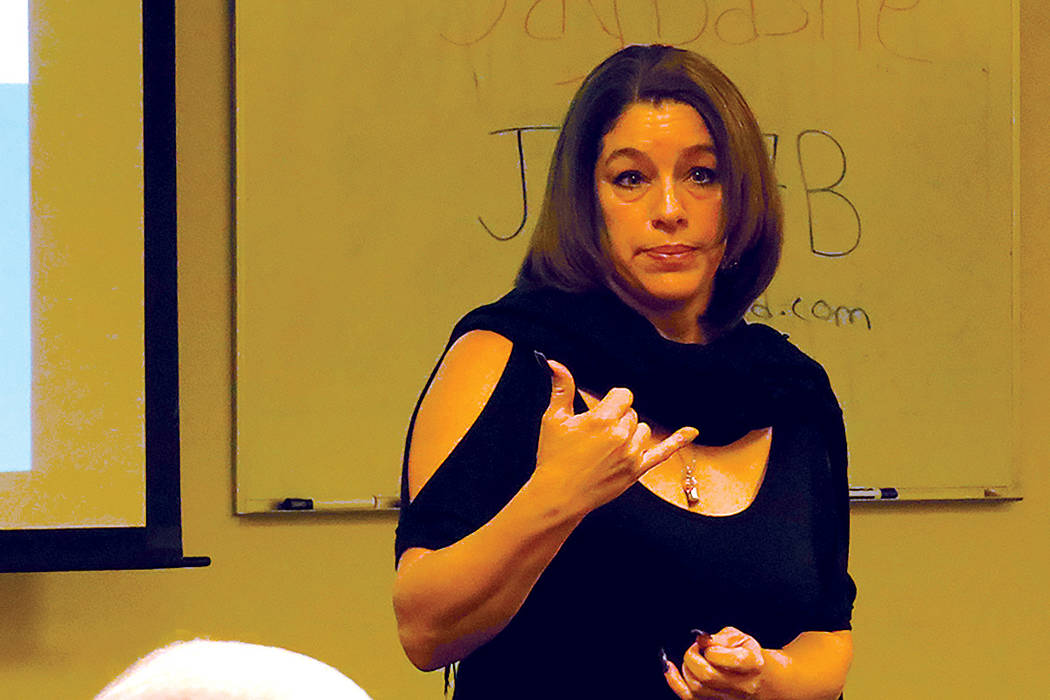 """""""El abuso sexual es uno de los crímenes menos reportados, a veces la gente sí busca la ayuda pero no lo reporta"""": Wendy Losada, intercesora de víctimas de 'The Rape Crisis Center'. Mart ..."""
