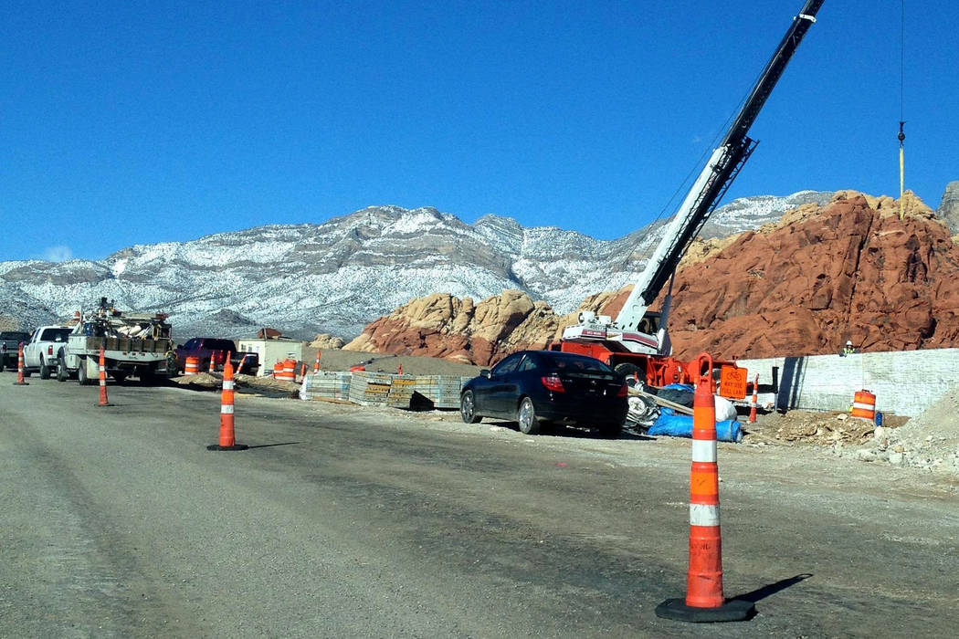Aspecto de la repavimentación de las 13 millas del camino escénico de Red Rock. | Foto El Tiempo/Valdemar González