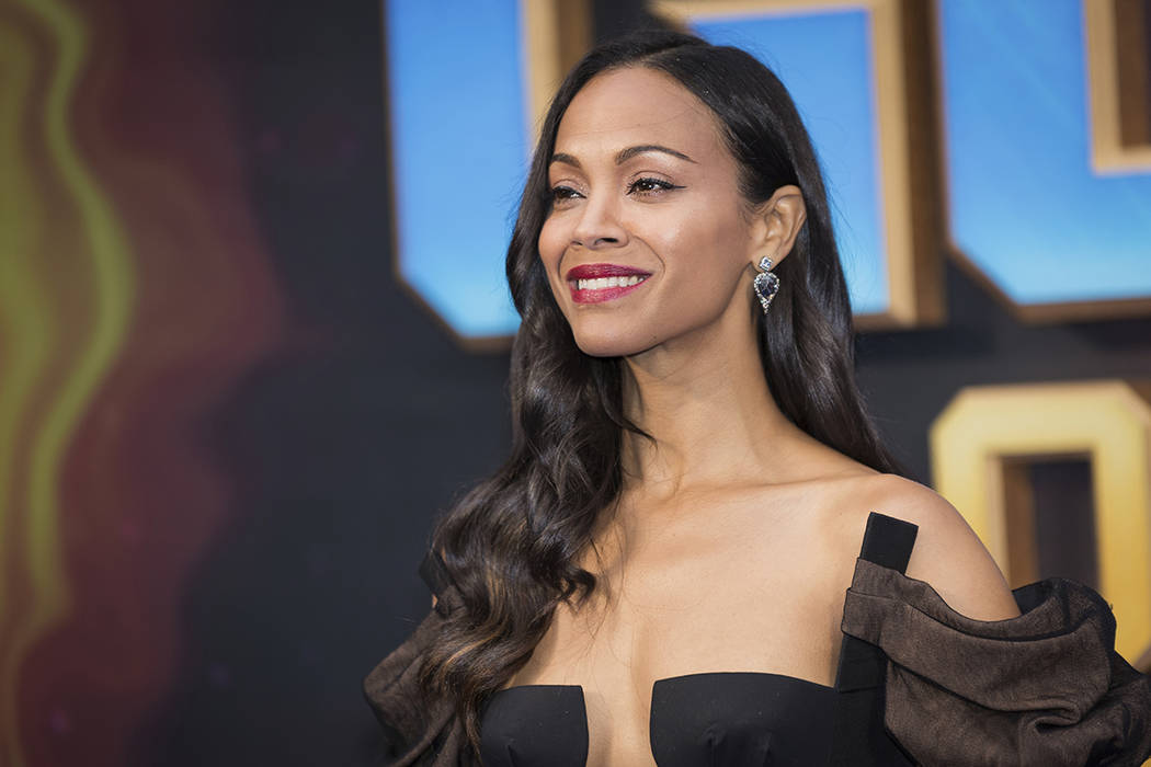 Actress Zoe Saldana poses for photographers upon arrival at the premiere of the film 'Guardians of the Galaxy Vol. 2', in London, Monday, Apr. 24, 2017.   Foto Vianney Le Caer/Invision/AP