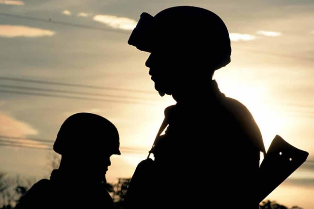 Se trata de un grupo 16 militares detenidos el 13 de marzo de 2011, pertenecientes al 69 Batallón de Infantería en Saltillo, Coahuila, por colaborar presuntamente con la organización criminal d ...