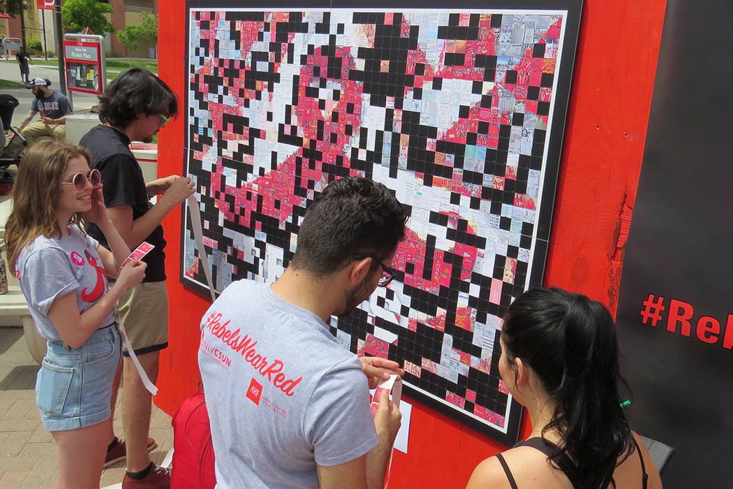 Estudiantes de UNLV realizaron eventos simultáneos para concientizar sobre el VIH y el acoso sexual, miércoles 26 de abril en UNLV. | Foto El Tiempo/Anthony Avellaneda