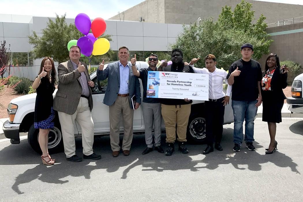 NV Energy y NPHY sumaron esfuerzos para ayudar a niños y jóvenes sin hogar, lunes 24 de abril las instalaciones de NV Energy. | Foto El Tiempo/Anthony Avellaneda