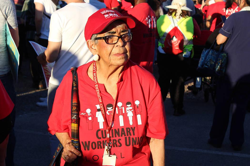 Leonor a pertenecido al sindicato de la Unión Culinaria por 50 años y participó en la marcha por el Día del Trabajo, el lunes 01 de mayo de 2017. | Foto El Tiempo/Cristian De la Rosa