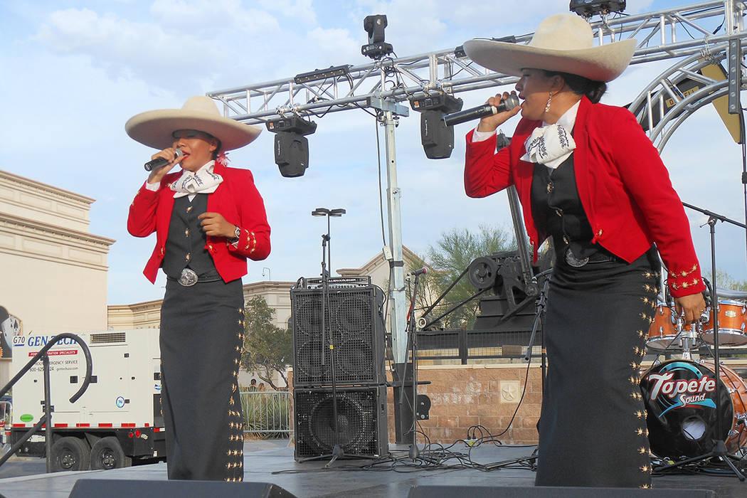 Voces Divinas de México se presentará durante el festival de Cinco de mayo de El Tiempo en el hotel casino de Texas Station en North Las Vegas el viernes 5 de mayo de 2017. Foto Valdemar Gonzál ...