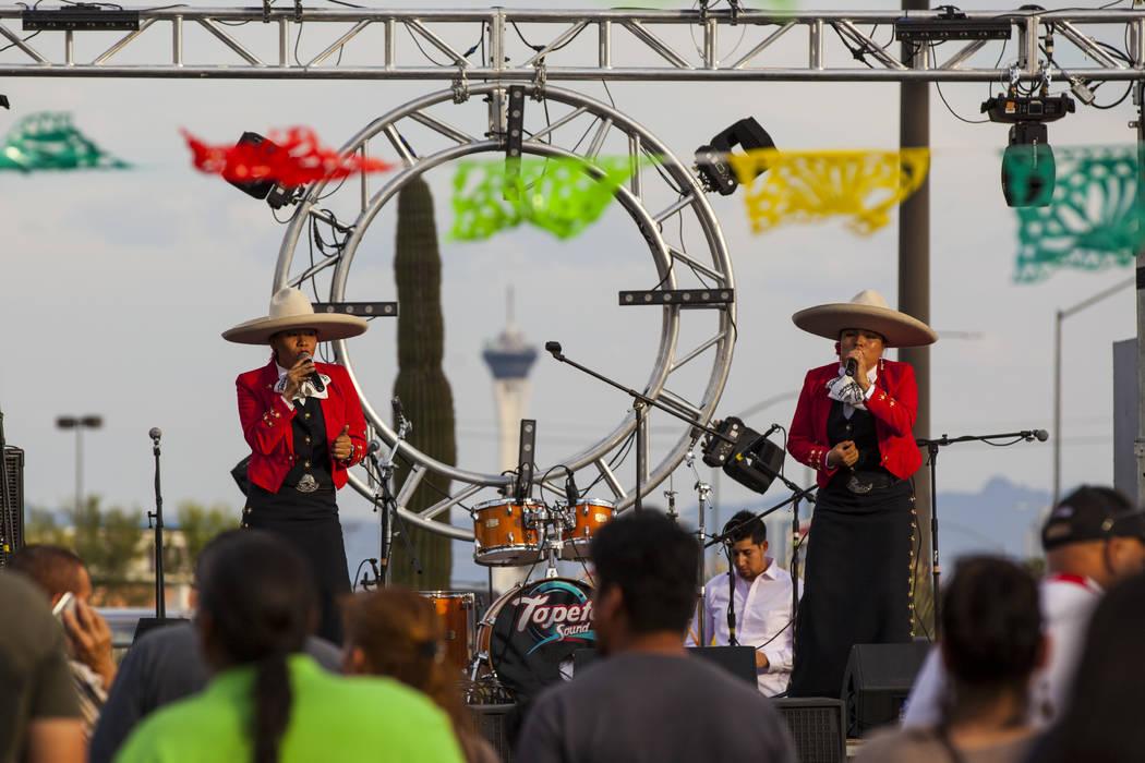 Voces Divinas de México se presentará durante el festival de Cinco de mayo de El Tiempo en el hotel casino de Texas Station en North Las Vegas el viernes 5 de mayo de 2017. Miranda Alam Las Vega ...