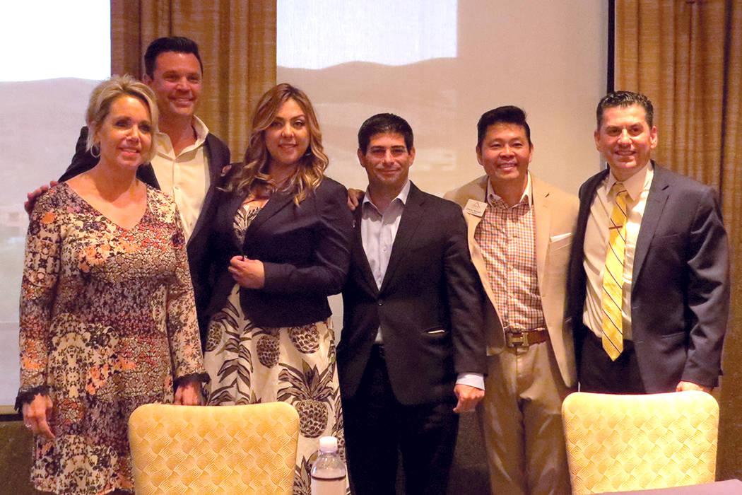 Profesionistas que han destacado en el mercado de bienes raíces compartieron experiencias con agentes hispanos del sur de Nevada. Miércoles 3 de mayo en Dragon Ridge Country Club. | Foto El Tiem ...