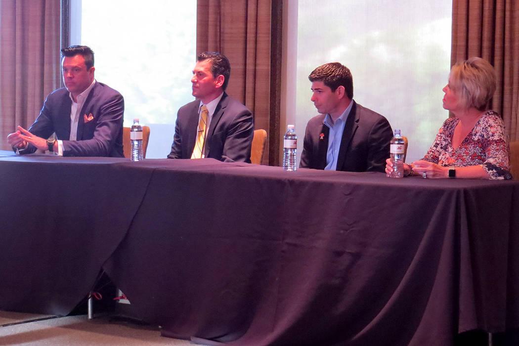 El panel estuvo integrado los destacados agentes de bienes raíces Trish Nash, John Gafford, Alex Garza y Billy Alta. Miércoles 3 de mayo en Dragon Ridge Country Club. | Foto El Tiempo/Anthony Av ...