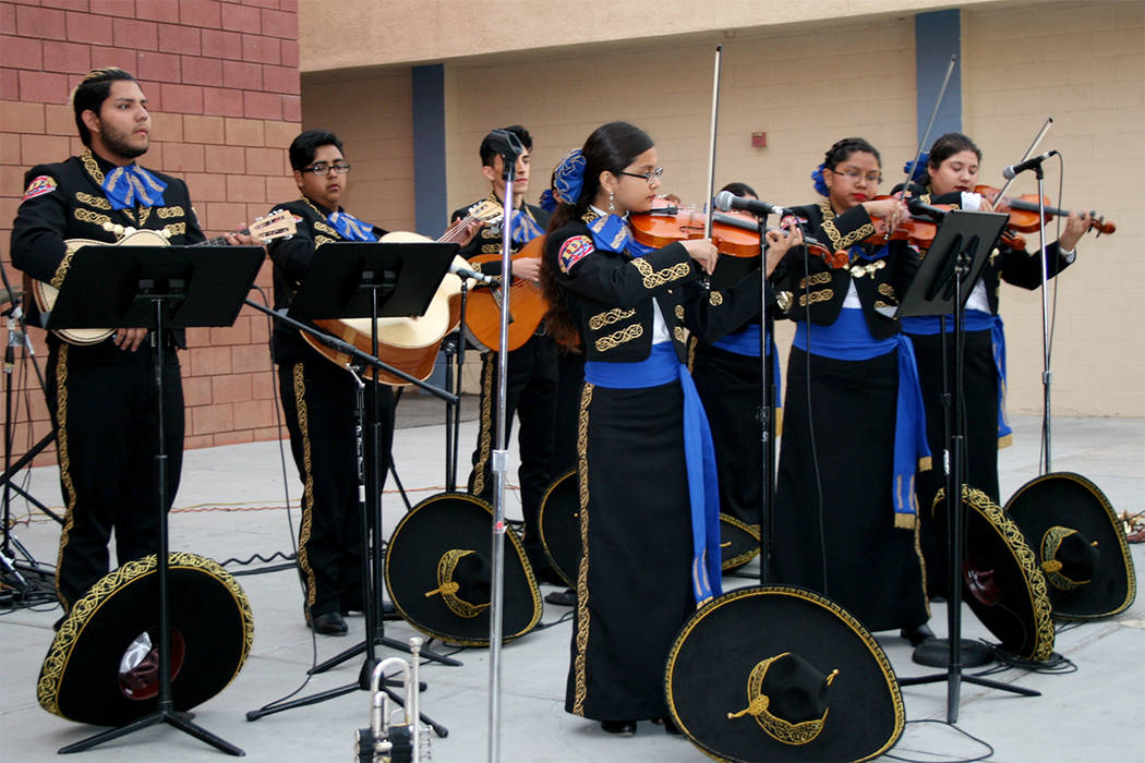 Mariachi Western HS. | Foto El Tiempo/Valdemar González.