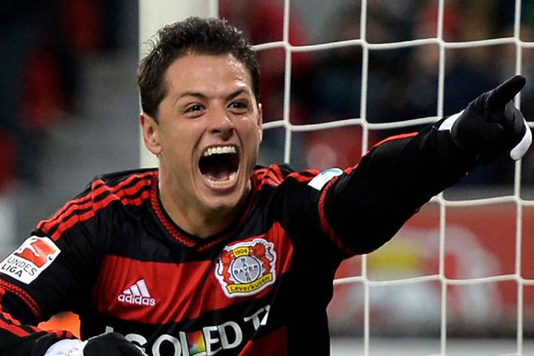 Fueros los periódicos, The Telegraph y The Sun, los que han asegurado que el Manchester United tiene nuevamente en el radar a mexicano a petición del mismo José Mourinho y estarían dispuestos  ...