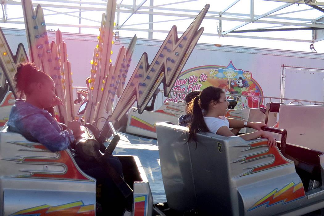 Los juegos mecánicos fueron una de las principales atracciones de este festival. Miércoles 10 de mayo en el parque Craig Ranch. Foto El Tiempo.