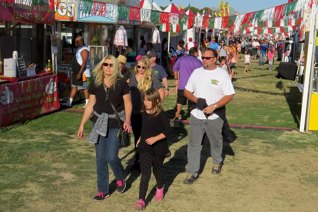 SG 6 Y 7: Miles de personas asistieron al Festival San Gennaro, el cual tuvo una duración de cinco días. Miércoles 10 de mayo en el parque Craig Ranch. Foto El Tiempo.