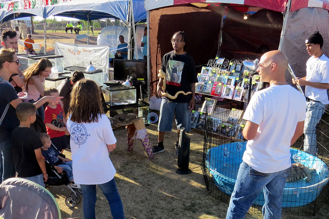 SG 8: El festival también contó con exposición e información sobre animales exóticos. Miércoles 10 de mayo en el parque Craig Ranch. Foto El Tiempo.