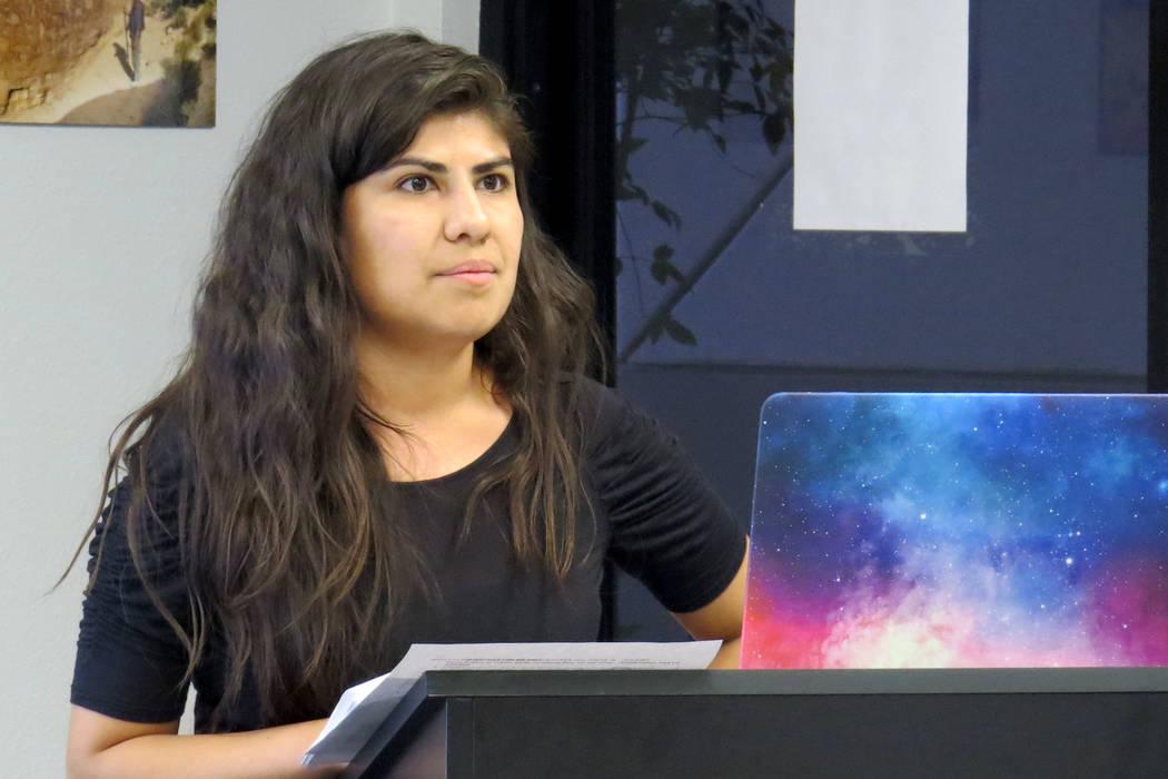 La coordinadora estatal de Mi Familia Vota, Arlene Álvarez, dijo que su organización se ha enfocado en las propuestas relacionadas a inmigración. Jueves 18 de mayo en la oficina de Battle Born  ...