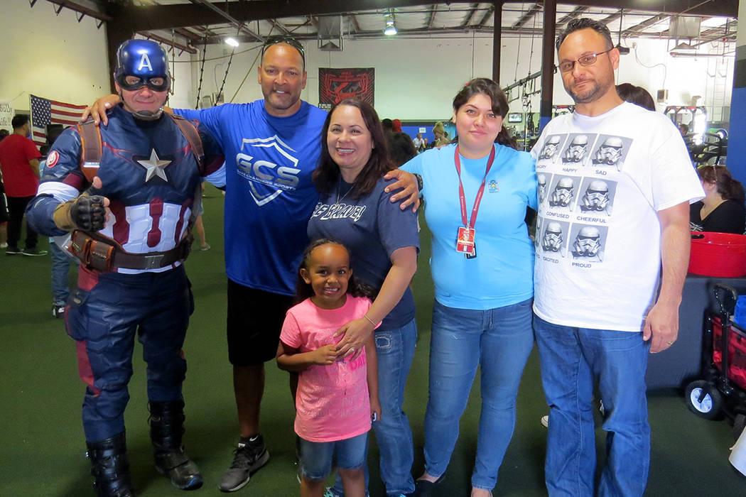 Los integrantes de 'Nevada Child Seekers' y participantes en el evento abordaron la importancia de fomentar el ejercicio en los niños. Sábado 20 de mayo en 'Game Changers Sports Training C ...