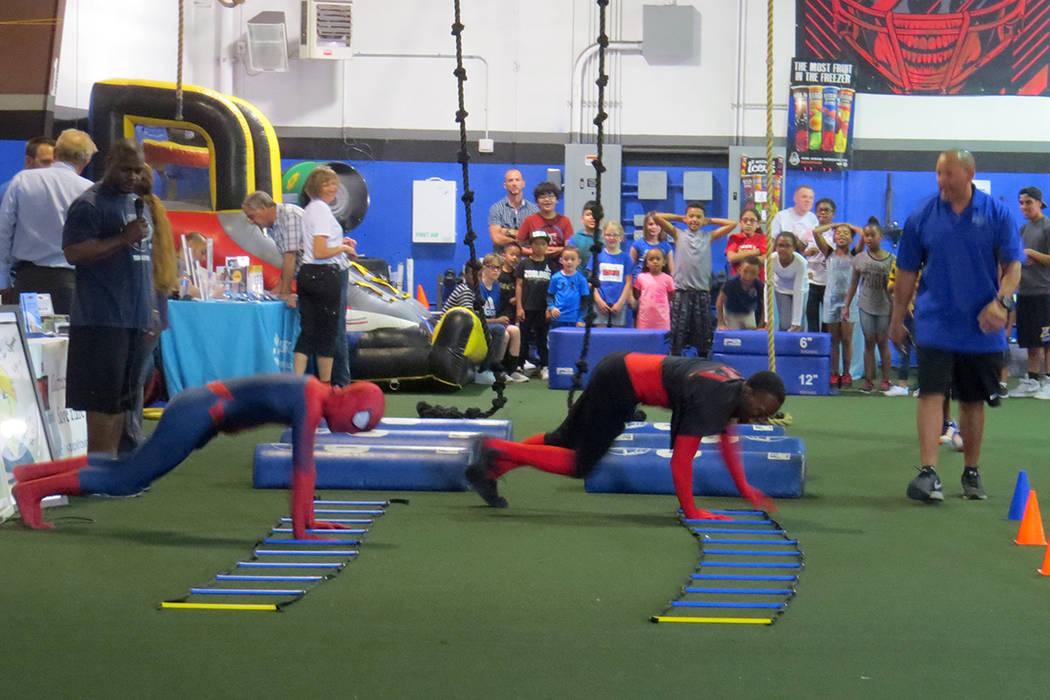 Los 'Súper Héroes' pusieron el ejemplo a los niños en las competencias realizadas. Sábado 20 de mayo en 'Game Changers Sports Training Center'. | Foto El Tiempo/Anthony Avellaneda.