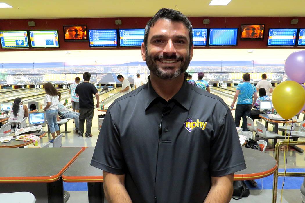 """""""Hemos visto que del 15 al 30 por ciento de la población de niños y jóvenes sin hogar son hispanos"""": Arash Ghafoori, director ejecutivo de NPHY. Sábado 13 de mayo en el hotel y casino Sunc ..."""