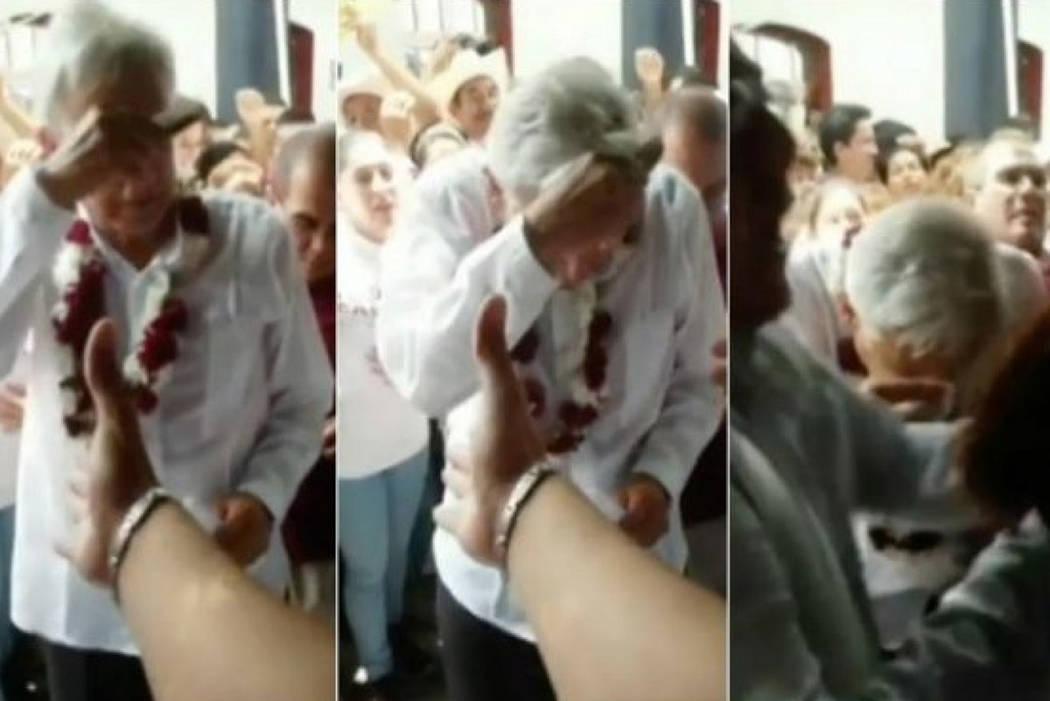 El ataque, que no tuvo consecuencias físicas, ocurrió en el momento en que López Obrador, dirigente del Movimiento Regeneración Nacional (Morena), iba hacia su vehículo para retirarse del lug ...