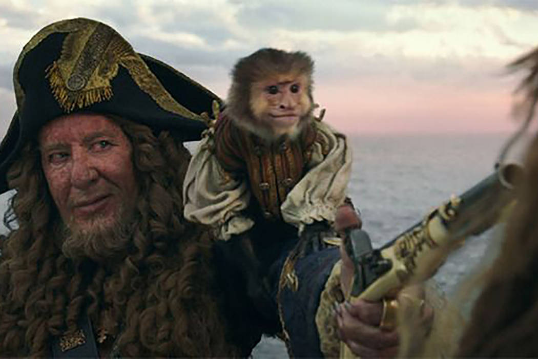 En la Venganza de Salazar se utilizó a un mono real para alguna de las escenas de la cinta, pero al parecer el animal estaba enfermo.
