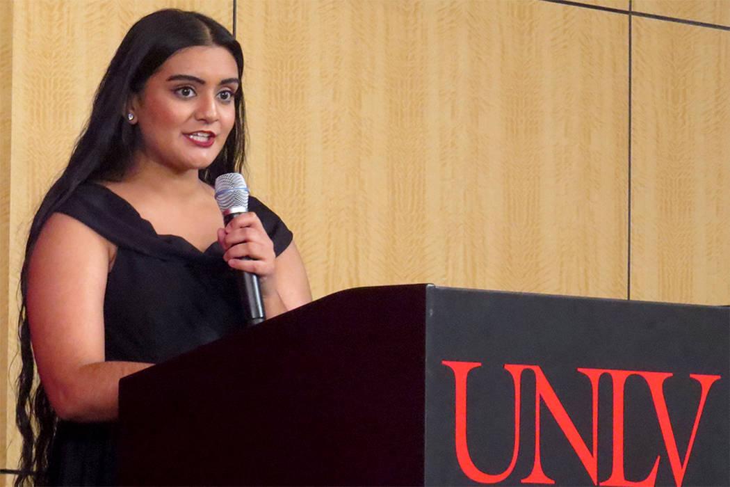 La estudiante Sukhjit Kaur Narwal expresó que para ella es importante que la mujer tenga control sobre su cuerpo y salud. Sábado 3 de junio en UNLV. | Foto El Tiempo/Anthony Avellaneda.
