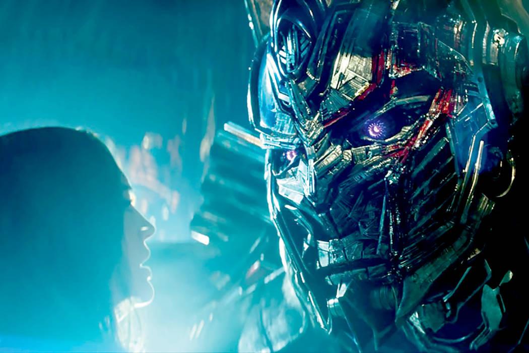 Quinta entrega de la saga 'Transformers' que de nuevo está dirigida, al igual que las anteriores, por Michael Bay (13 horas: Los soldados secretos de Bengasi, Dolor y dinero).