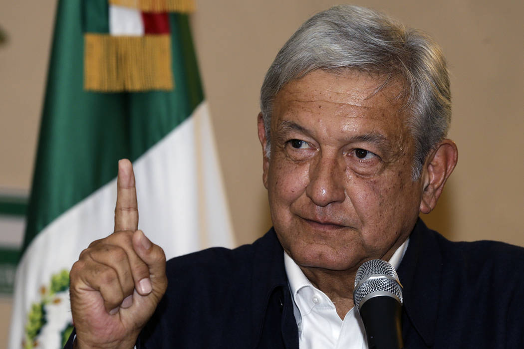 El candidato presidencial Andrés Manuel López Obrador da una conferencia de prensa en la ciudad de México, el martes 6 de junio de 2017. Al acusar al fraude electoral, Obrador dijo que apelará ...