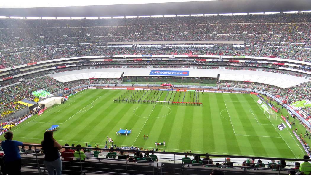 El Estadio Azteca lució repleto para presenciar el llamado 'Clásico de la CONCACAF'. Domingo 11 de junio en Estadio Azteca de la Ciudad de México. | Anthony Avellaneda/ El Tiempo- Enviado E ...
