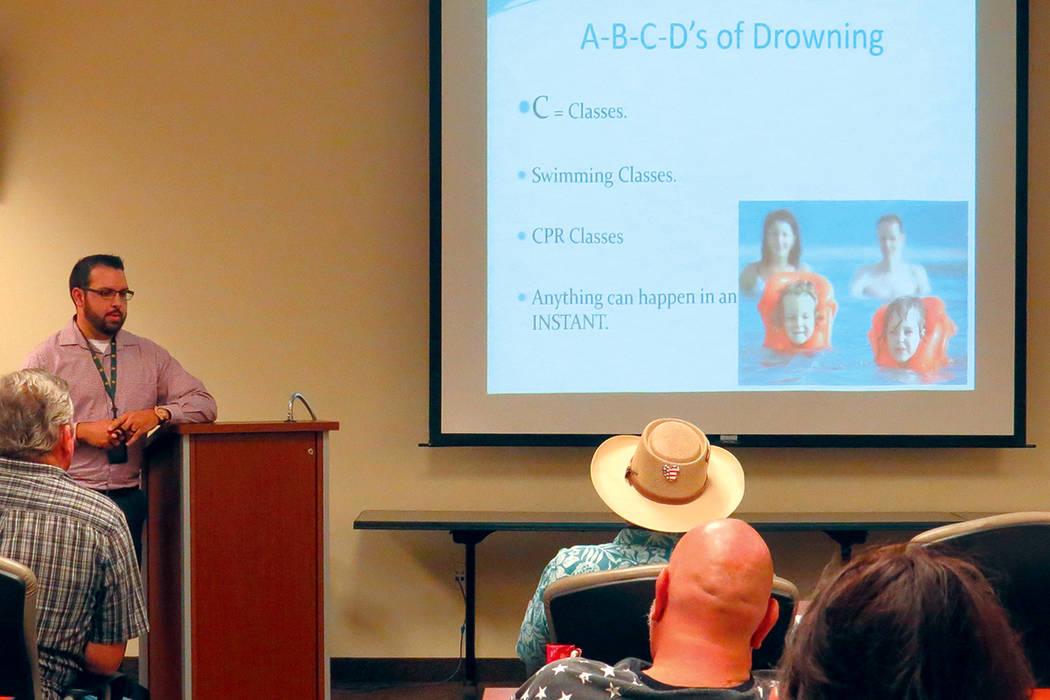 Por medio de un video se explicó la importancia de saber el abecedario en prevención de ahogamientos. Martes 6 de junio en la oficina de Comando del Área Noreste. | Foto Anthony Avellaneda/ El  ...