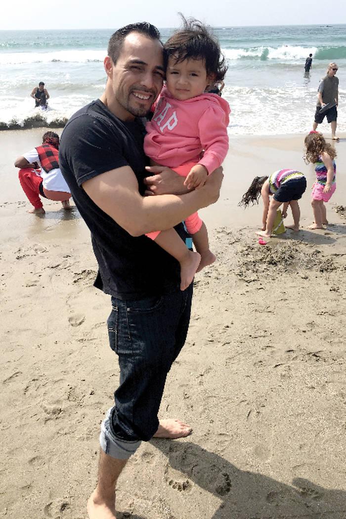 Eddie Vargas sabe que debe guiar a su hija y ser su ejemplo. Foto Cortesía.
