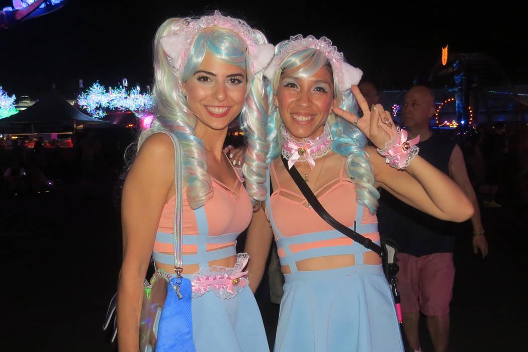 Anait y Melina decidieron vestirse acorde a la temática del evento. Del 16 al 19 de junio en EDC Las Vegas. | Foto Anthony Avellaneda/ El Tiempo.