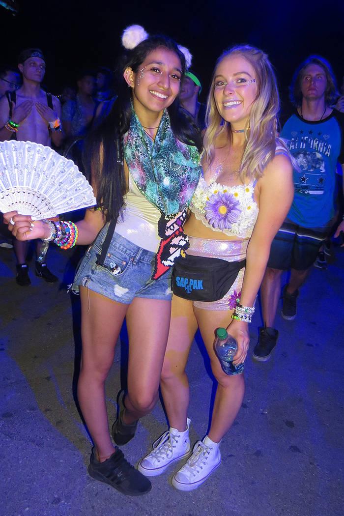Las fans no dejaron de apoyar a sus DJ's favoritos. Del 16 al 19 de junio en EDC Las Vegas. Foto El Tiempo.