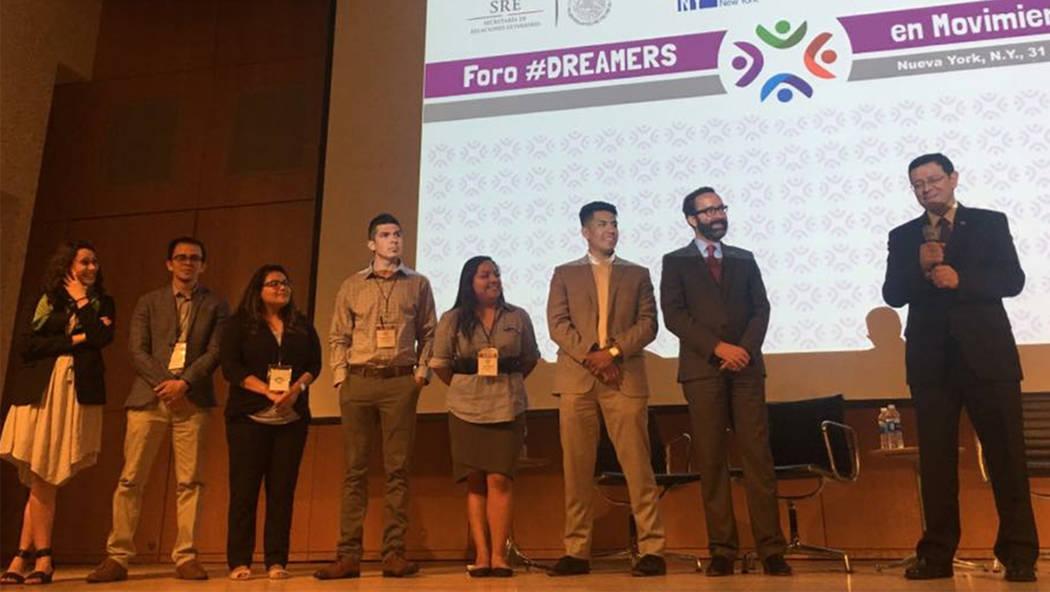 Jóvenes de Las Vegas destacan en 'Dreamers en Movimiento'