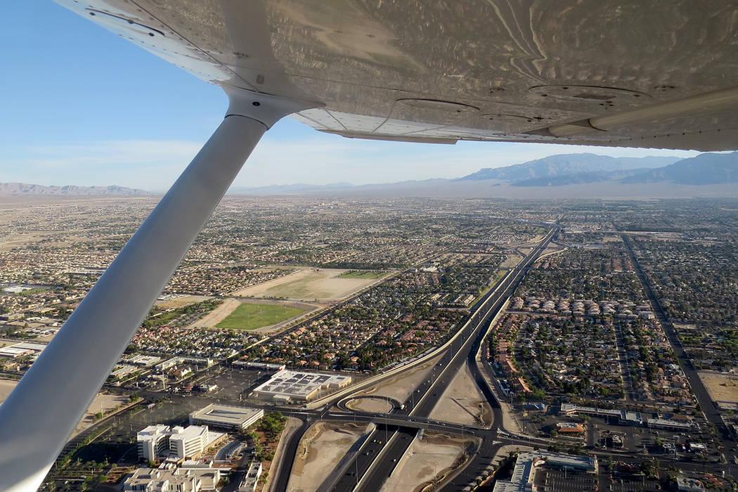 Una de las tareas de CAP es tomar fotografía aérea y localizar coordenadas. Sábado 17 de junio. | Foto Anthony Avellaneda/ El Tiempo.