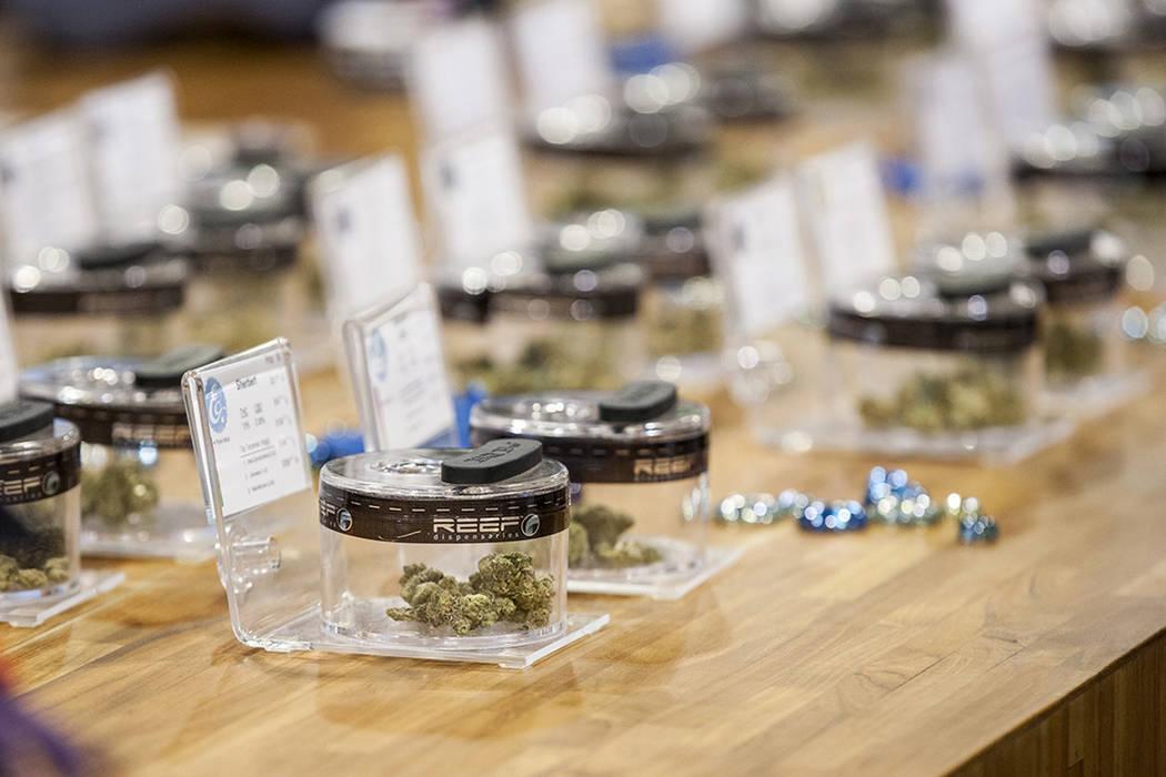 Una selección de diferentes variedades de marihuana en Reef Dispensaries cerca de Las Vegas Strip el jueves 29 de junio de 2017. | Foto Patrick Connolly Las Vegas Review-Journal.