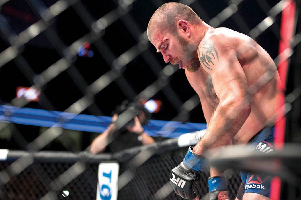Jim Miller después del combate contra Anthony Pettis en la pelea de peso ligero UFC 213 en T-Mobile Arena de Las Vegas, el sábado 8 de julio de 2017. | Foto Erik Verduzco/ Las Vegas Review-Journal.