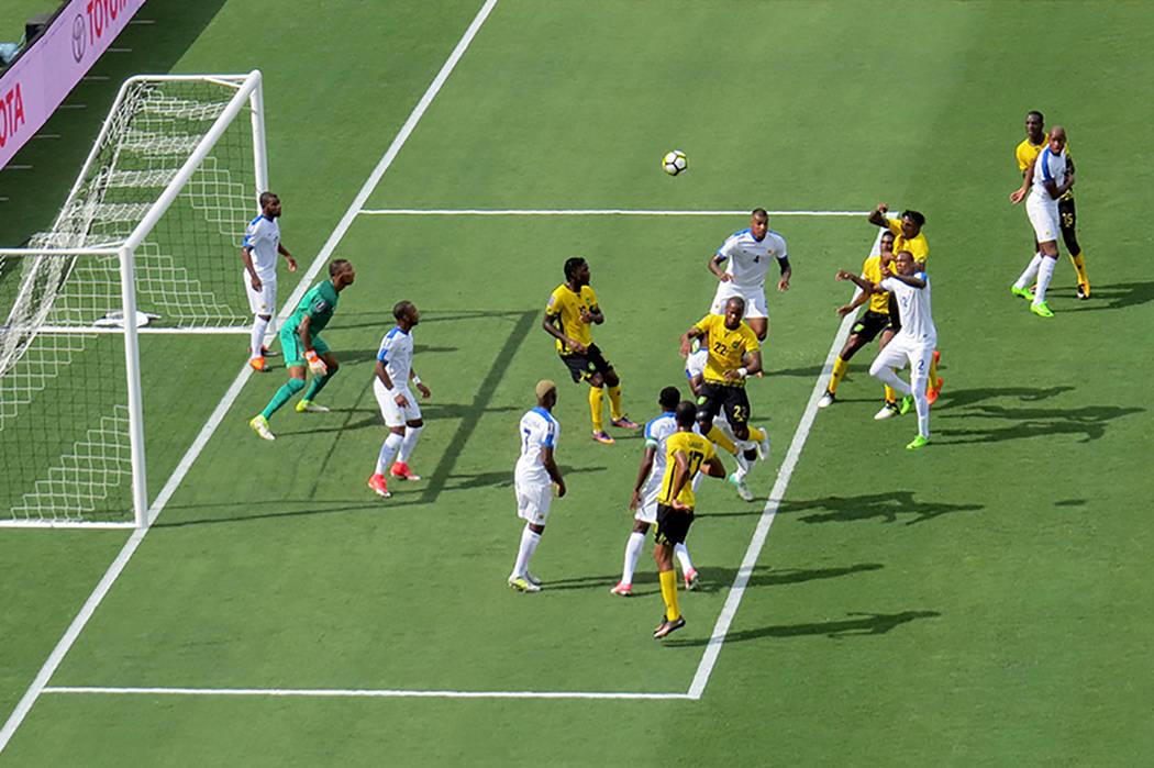 En el partido que abrió la jornada, Jamaica derrotó 2-0 a Curaçao. Domingo 9 de junio en el estadio Qualcomm de San Diego, California. | Foto Anthony Avellaneda/ El Tiempo.